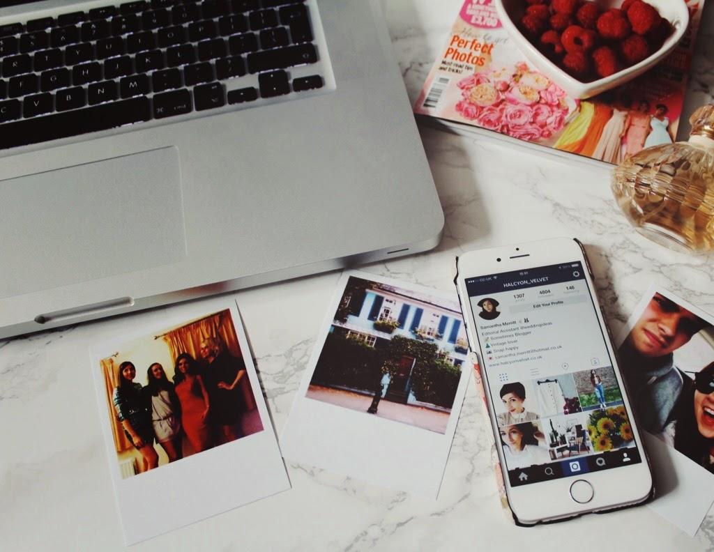 bloggingandworking, halcyonvelvet, blogging, hobby, bloggingasahobby, workingfulltime, macbook, instagram, twitter, facebook, socialmedia