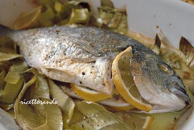 Orata al forno ricetta di pesce cotto a forno con verdure