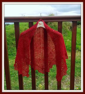 Aylesbury shawlette