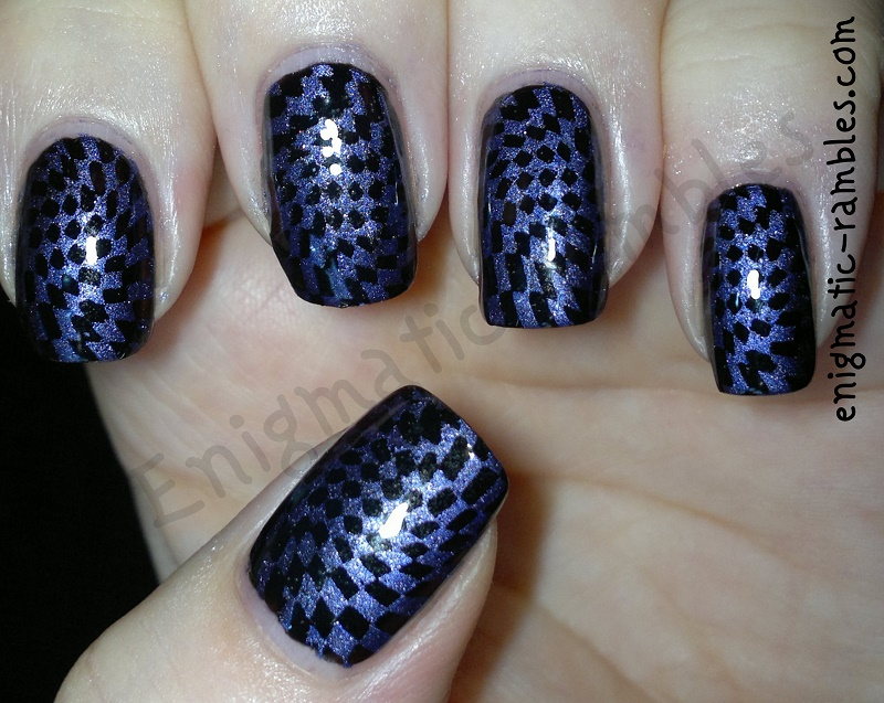 review-moyou-123-stamping-plate-chequers-stargazer-purple-chrome