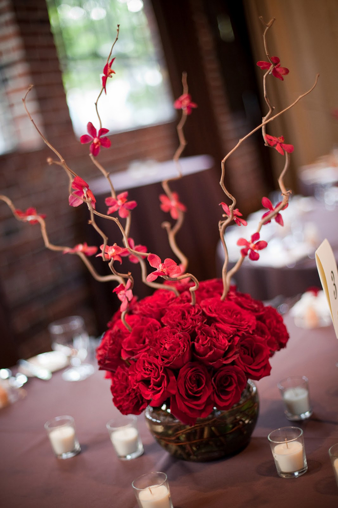 25 stunning wedding centerpieces part 8 belle the magazine for Decoration florale table