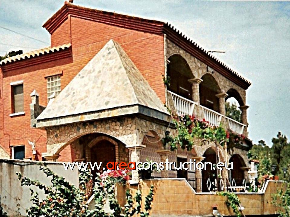 Construcci n casa r stica de obra vista y piedra area - Construccion casas de piedra ...