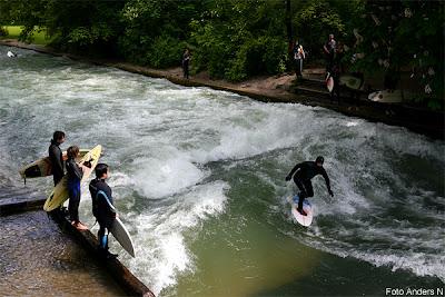 surfare, surfers, surfer, münchen, munich, wellen, wellenreiten