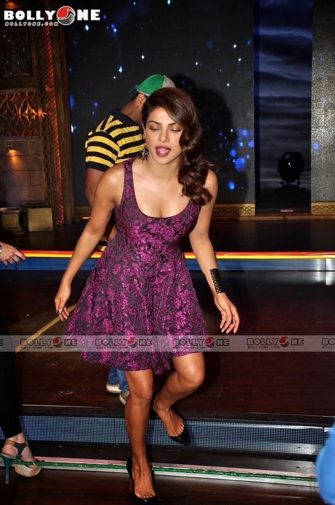 Priyanka Chopra in lvoely Mini Skirt Launches Indias Best Cine Star Ki Khoj Must See