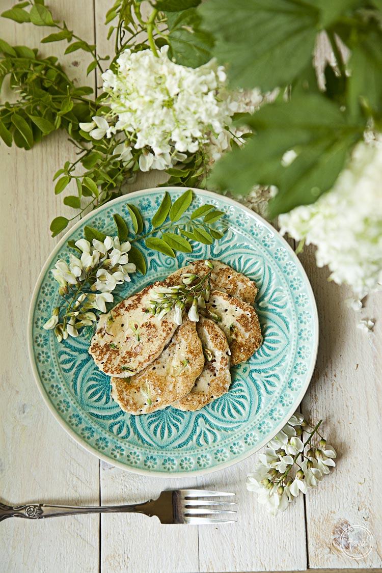 Tortitas de almendra y flor de acacia