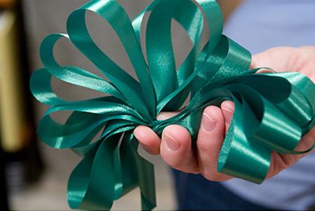 Lazos para regalos en Recicla Inventa
