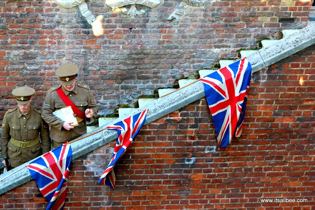 tower of london poppies   tower of london pictures