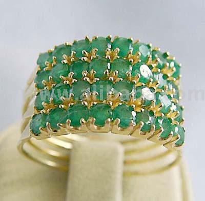 EmeraldRings whitegoldrings gold rings engagementrings goldrings stonerings stonejewellery252812529 - Emerald Rings