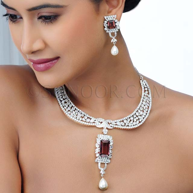 Gold fashion beautiful party wear necklace by sonoor for Words to wear jewelry