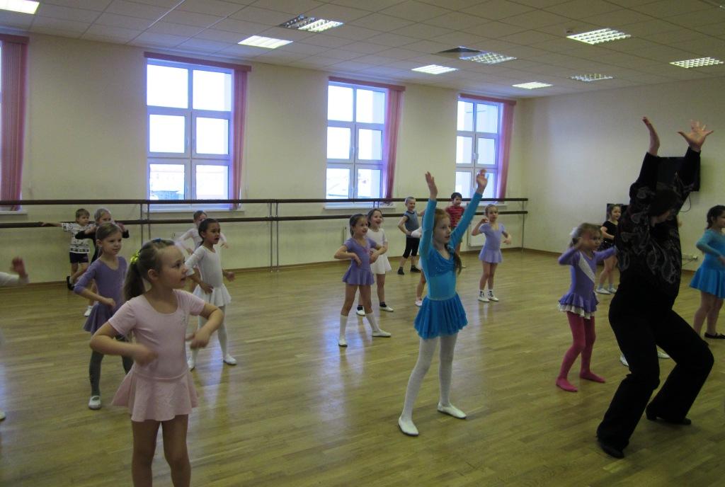 танцуй пока молодая девочка рая слушать онлайн