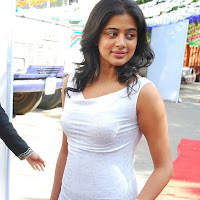 Priya at movie launch looking gorgeous