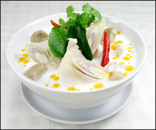 Tom Kha Kai (Spicy chicken curry in coconut milk soup)