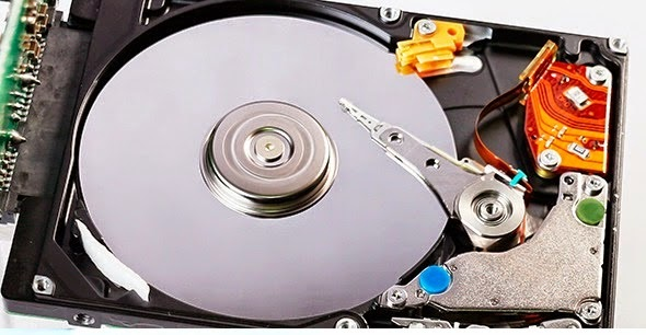 ¿Cuál es la función del actuador de un disco duro?