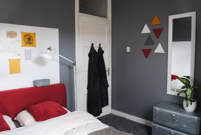 Dutch design on a budget slaapkamer stapjes diy dekbedovertrek verven - Donkergrijze verf ...