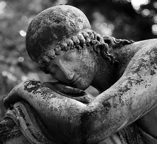 Estatua de cementerio