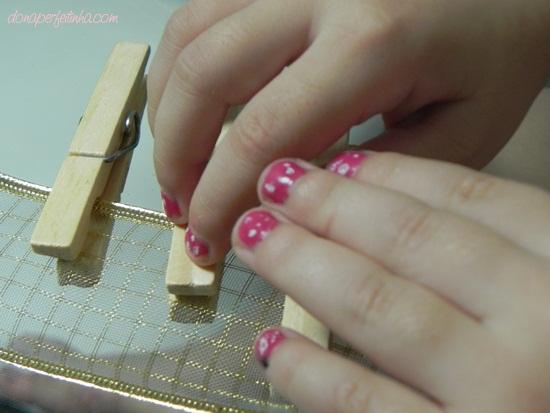 Esmalte de bolinhas para as menininhas