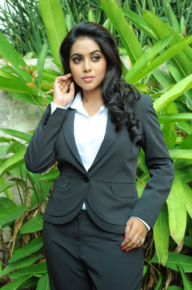 Poorna in half saree stills