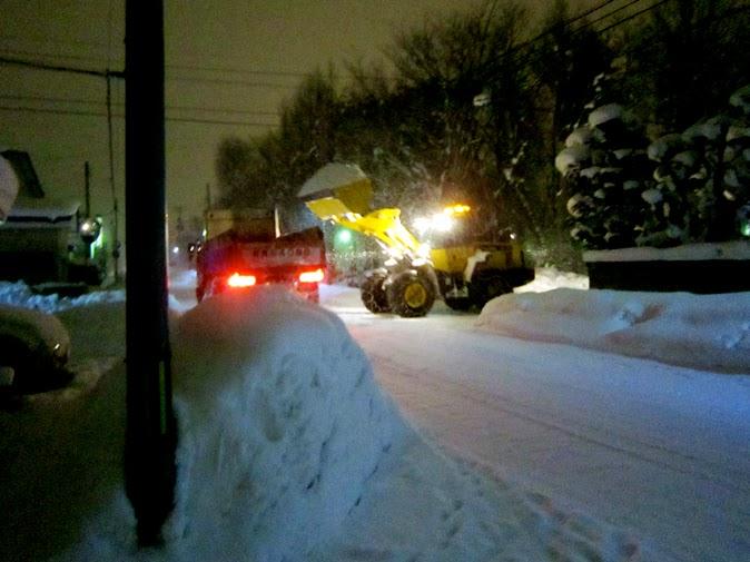 深夜の排雪風景