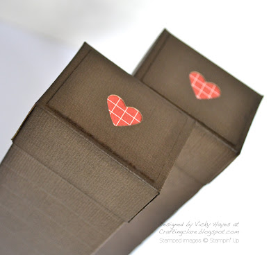 Heart decoration on box lid