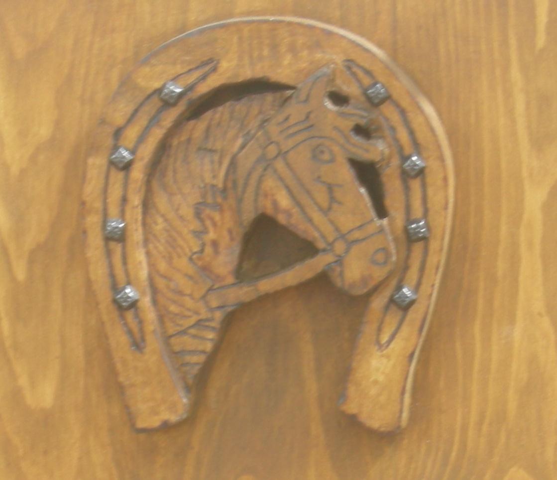 Perchero para cabezadas trabajos de madera for Percheros de madera para pared