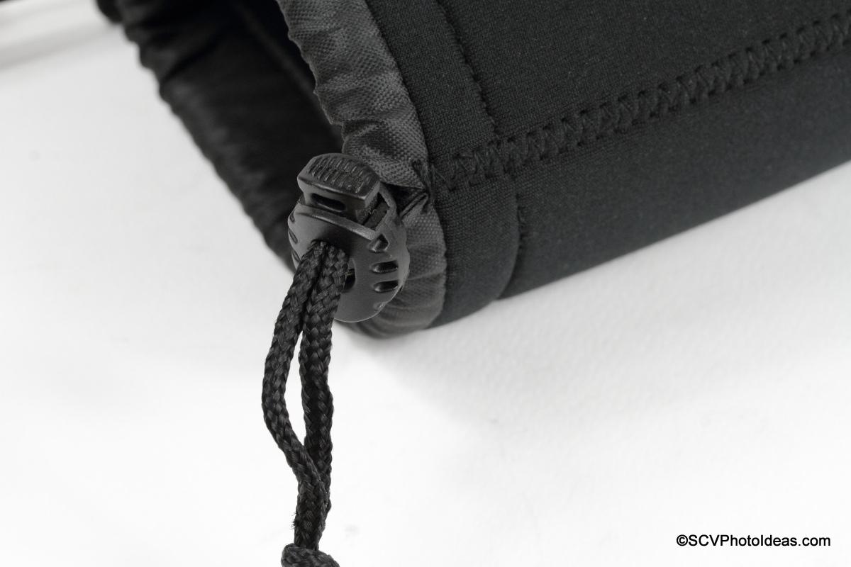 Matin Neoprene Lens Pouch drawstring clasp detail