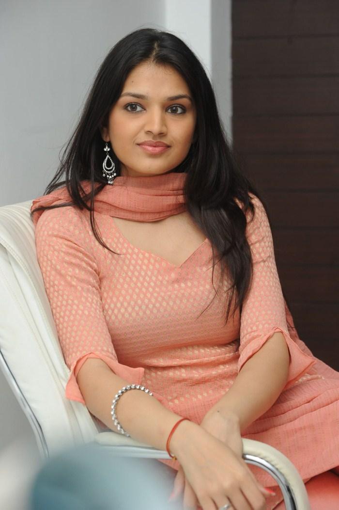 Media Gallery: Tara Alisha Actress Spicy Stills Pics From