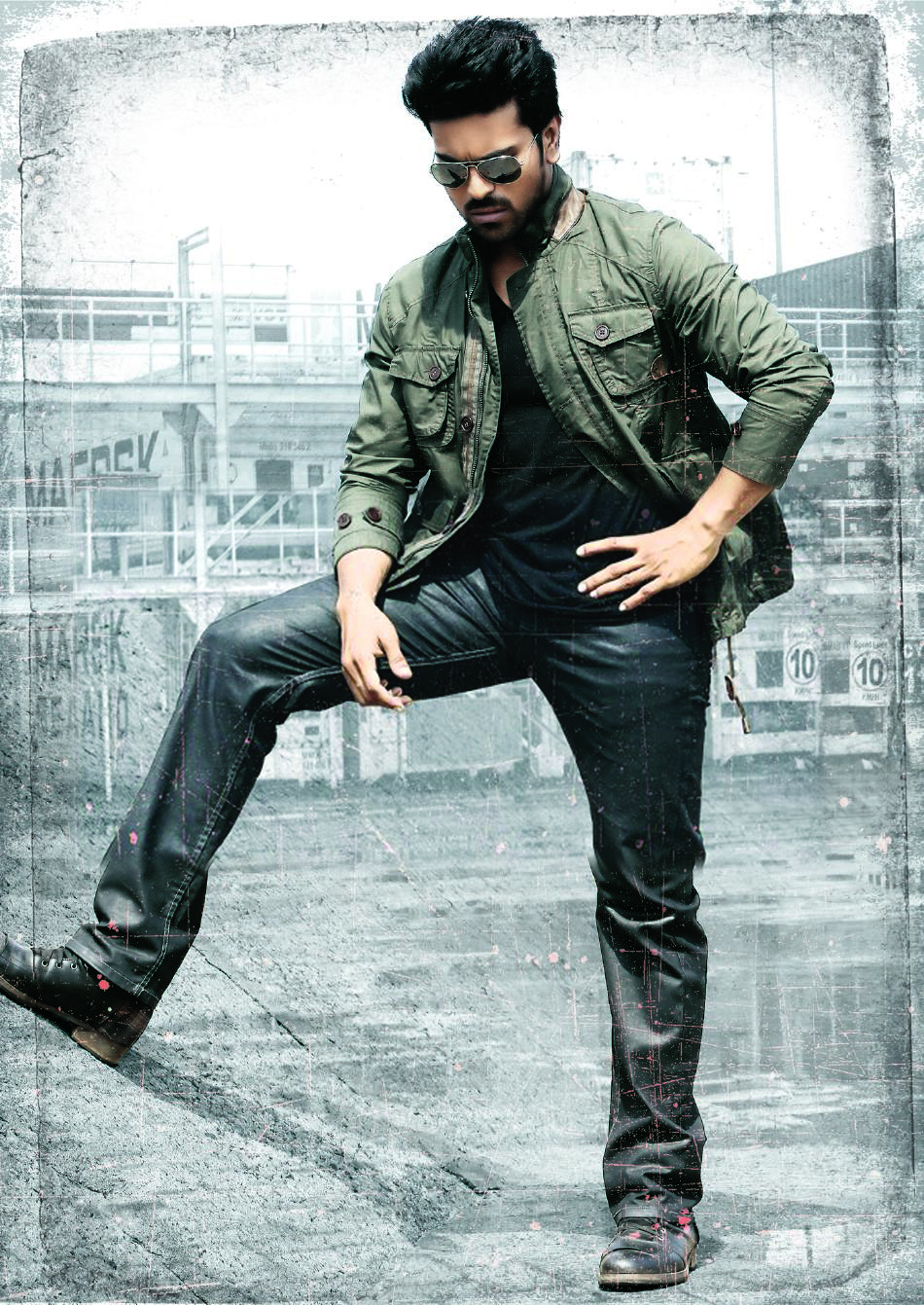 Yevadu Movie Latest Wallpapers