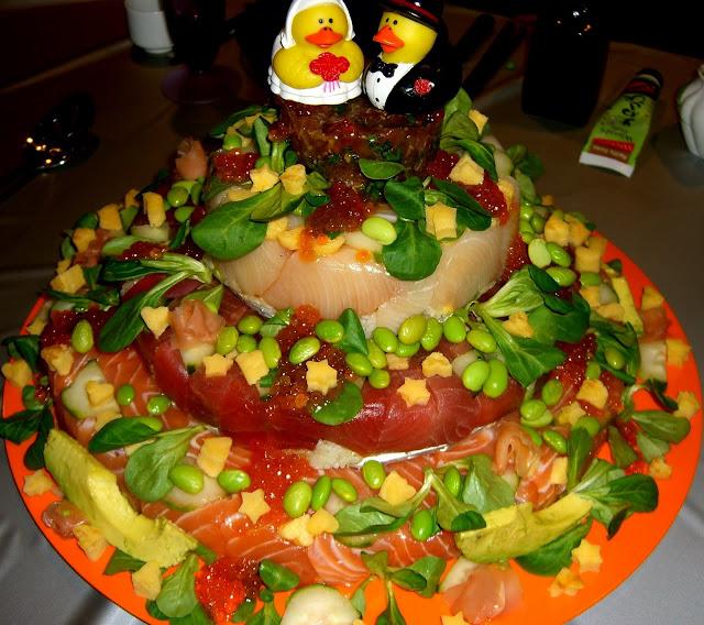 Super ugly wedding cakes