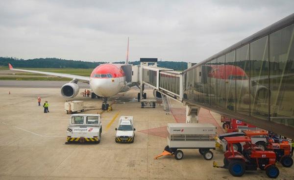 Aeroporto Porto De Galinhas : Aeroportos brasil dezembro