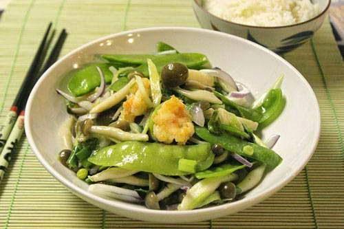 Vietnamese Main Dish Recipes - Tôm xào nấm đậu