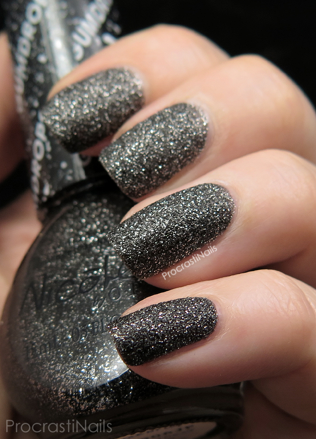 Swatch of Nicole by OPI Gumdrops A-Nise Treat
