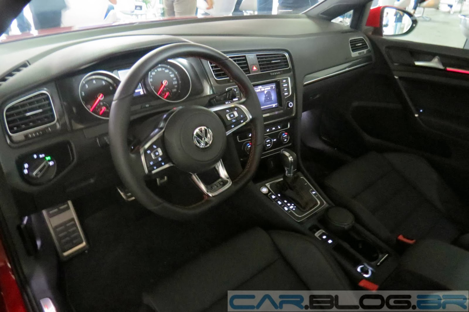 Volkswagen Golf GTI x Renault Mégane R.S - interior