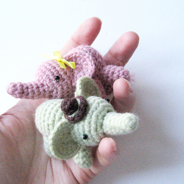 2000 Free Amigurumi Patterns: Percy the Elephant