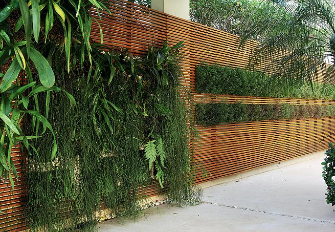 decoracao muros jardim: de vários formatos e tamanhos para compor seu jardim vertical
