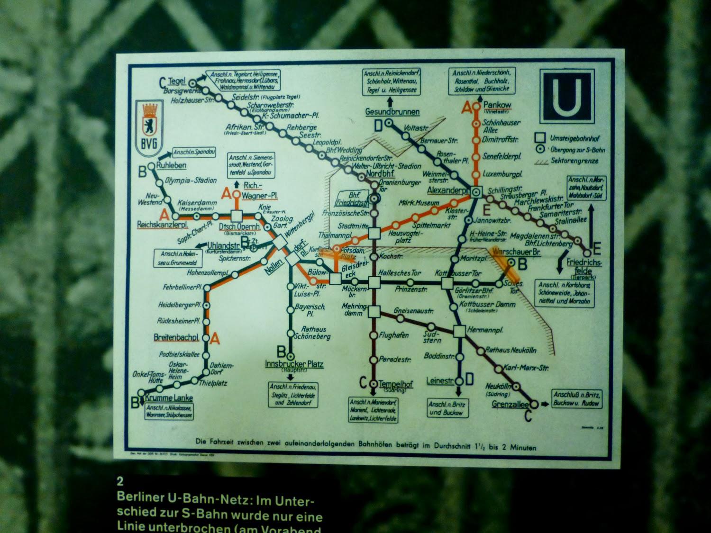 El Muro bajo el Muro. Metro de Berlin
