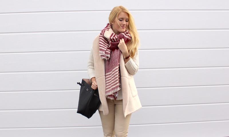 TheBlondeLion Fashion Outfit Casual whites XXL Schal Daniel Wellington Uhr