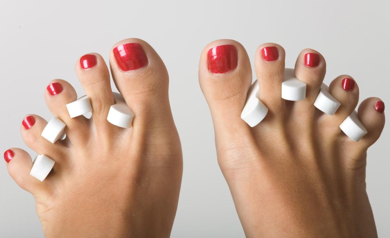 Passo a passo como fazer decoração de unhas dos pés