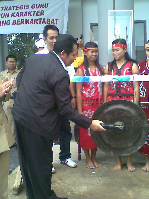 GONG PEMBUKA