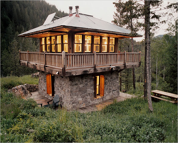 Terrierman 39 s daily dose cabin porn on stilts Log cabin homes on stilts