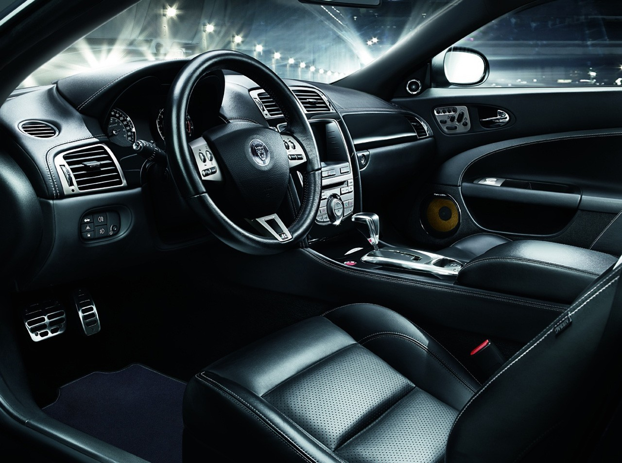 jaguar xkr s car review 2012 and pictures luxury cars never die. Black Bedroom Furniture Sets. Home Design Ideas