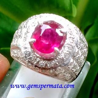 Cincin Ruby Bermemo - A364
