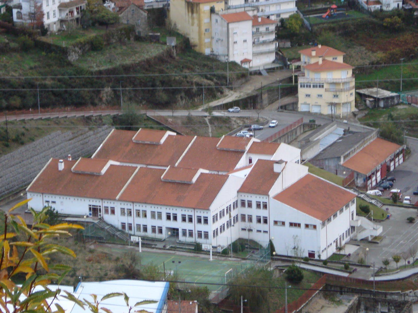 Escola Dr. Reis Leitão
