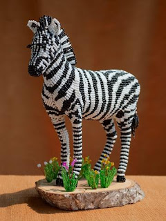 Игрушка из бисера зебра