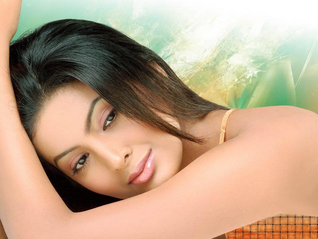 http://4.bp.blogspot.com/-zJDb63x1cCo/TmSO-mEIZbI/AAAAAAAAAJs/WC5o5crxNyc/s1600/Geeta-Basra-pictures.jpg