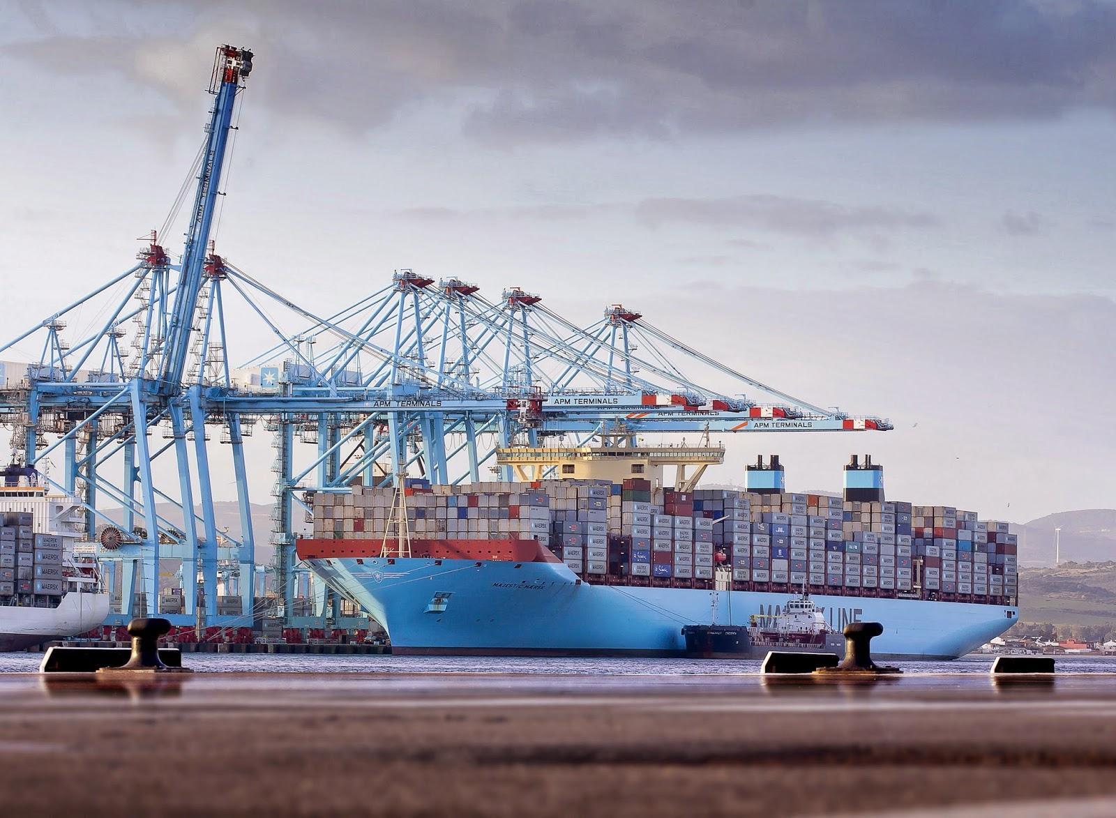 Majestic Maersk repostando en APMT Algeciras