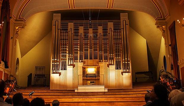 elton daily elton unveils his new organ. Black Bedroom Furniture Sets. Home Design Ideas