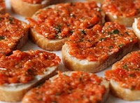 Torradas com Pasta de Pimentão (vegana)
