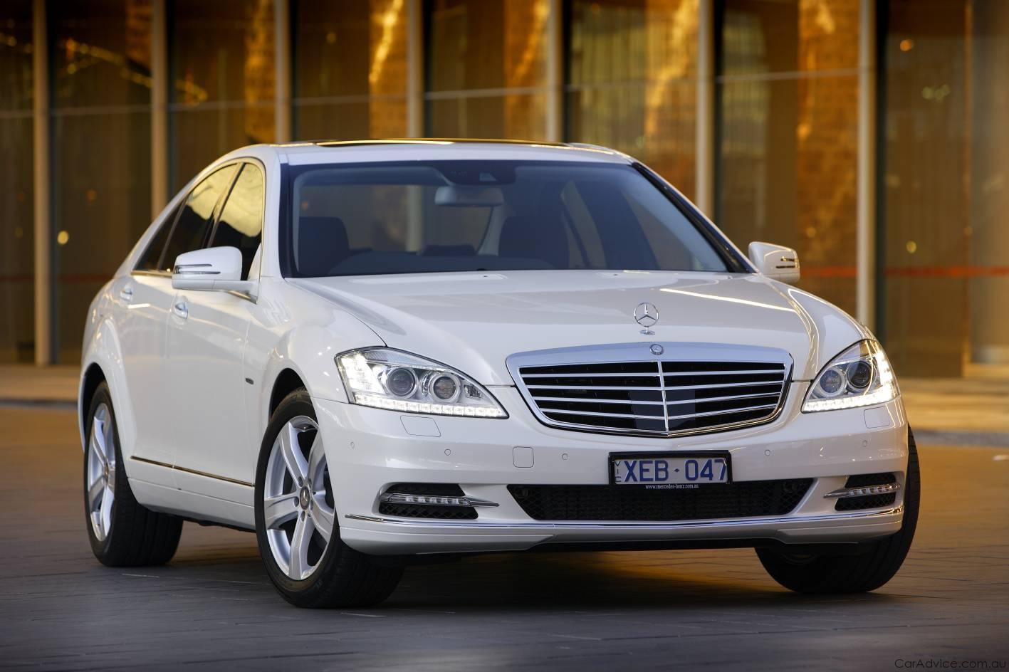 http://4.bp.blogspot.com/-zJWVEgpvlCU/TZmJ8X3vXFI/AAAAAAAAyg4/tqXpPbBcEGY/s1600/2009-Mercedes-Benz-S-Class-12.jpg
