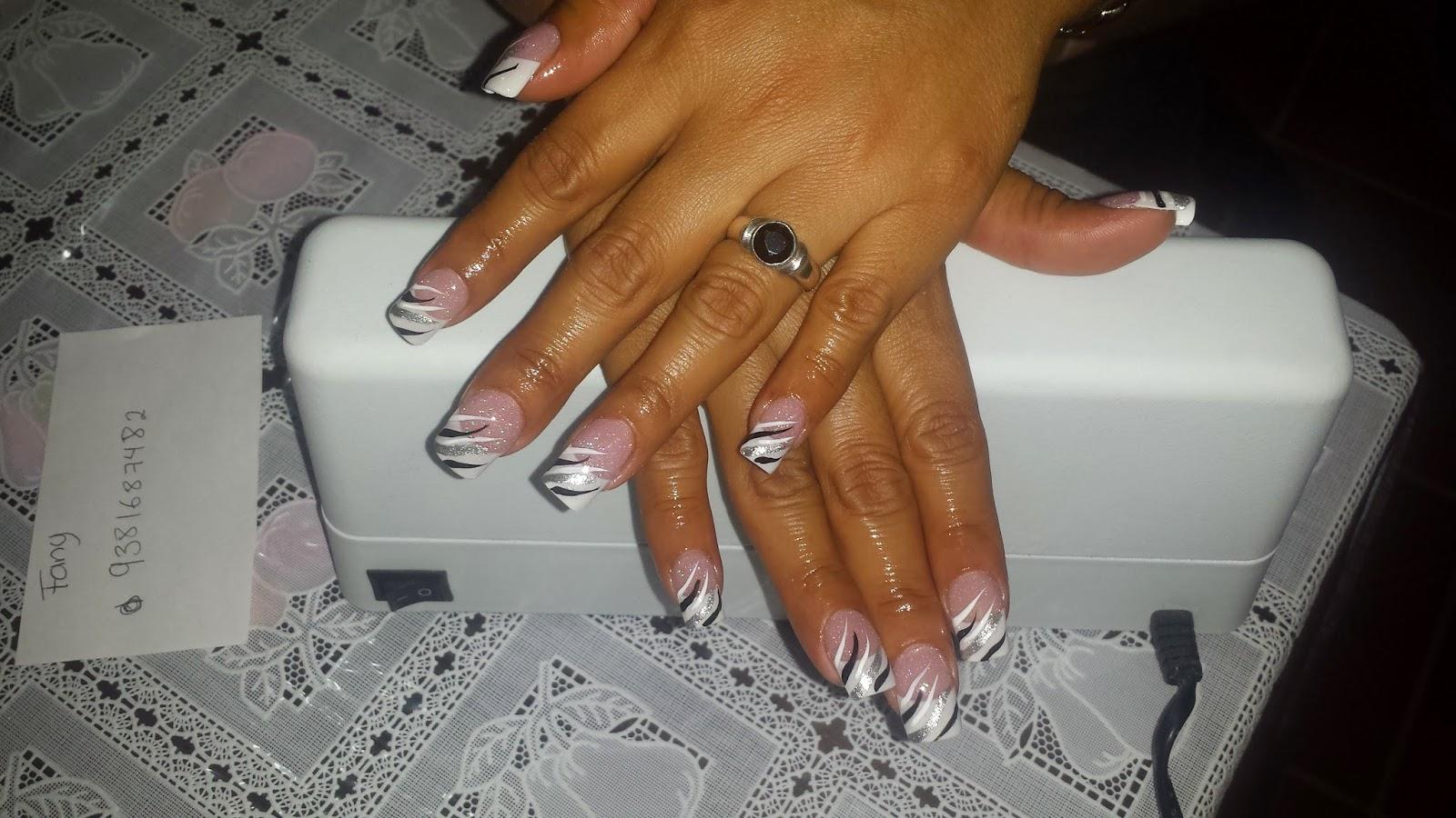 uñas de dama : estas son uñas francesas con decorado blaco con negro ...