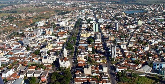 Zona Urbana De Patos De Minas   MG  Exemplo De Uma Paisagem Humanizada